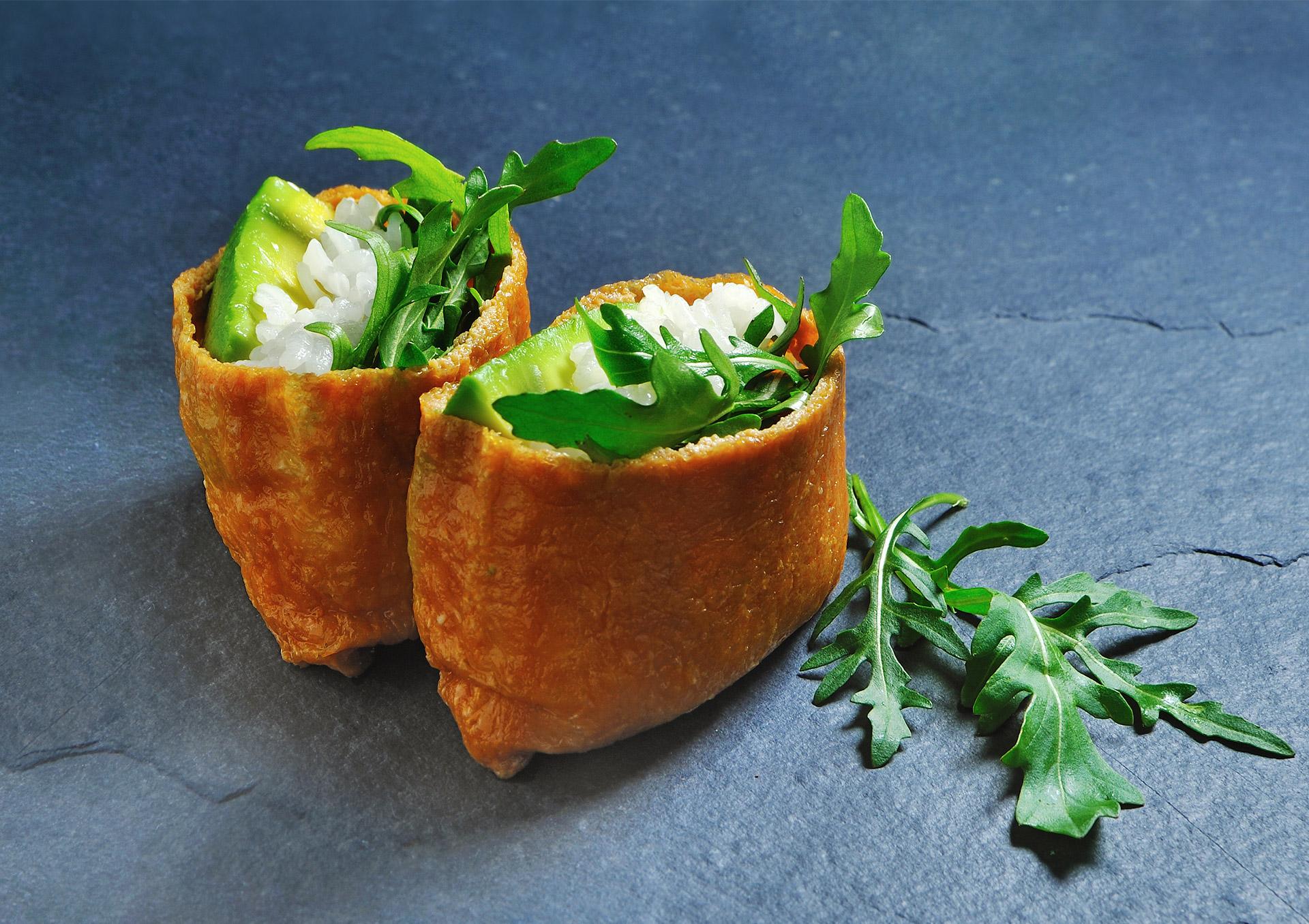 O-ZEN Portfolio Sushi Ya Avocado Inari - Tofu Taschen mit Avocado und Rucola