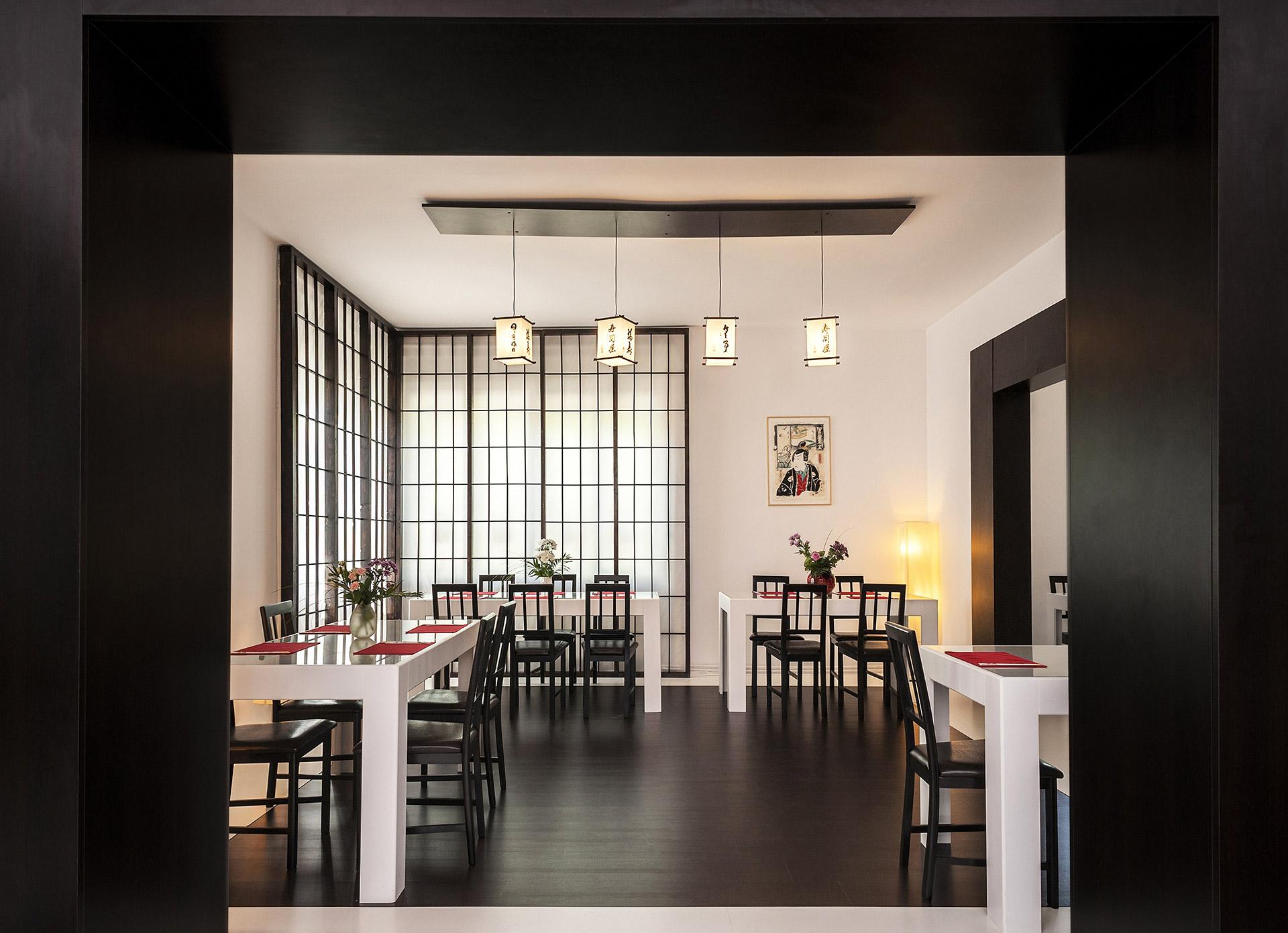 O-ZEN Portfolio Sushi Ya Innendesign Elemente Massarbeit Japanische Lampen, Mahlerei und Shoji