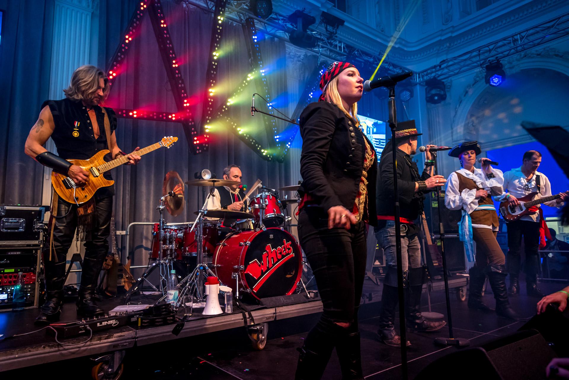O-ZEN Portfolio Fotografie Karneval 2017 Florresei Band auf Bühne